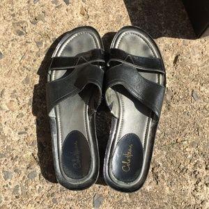COLE HAAN NIKE AIR Laura Slide II Sandals